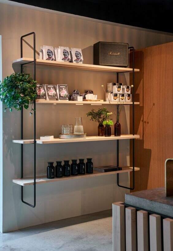 Decoração para salão de beleza: Prateleira decorativa